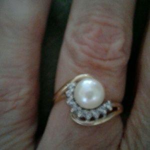 Jewelry - 14k Pearl Diamond Ring